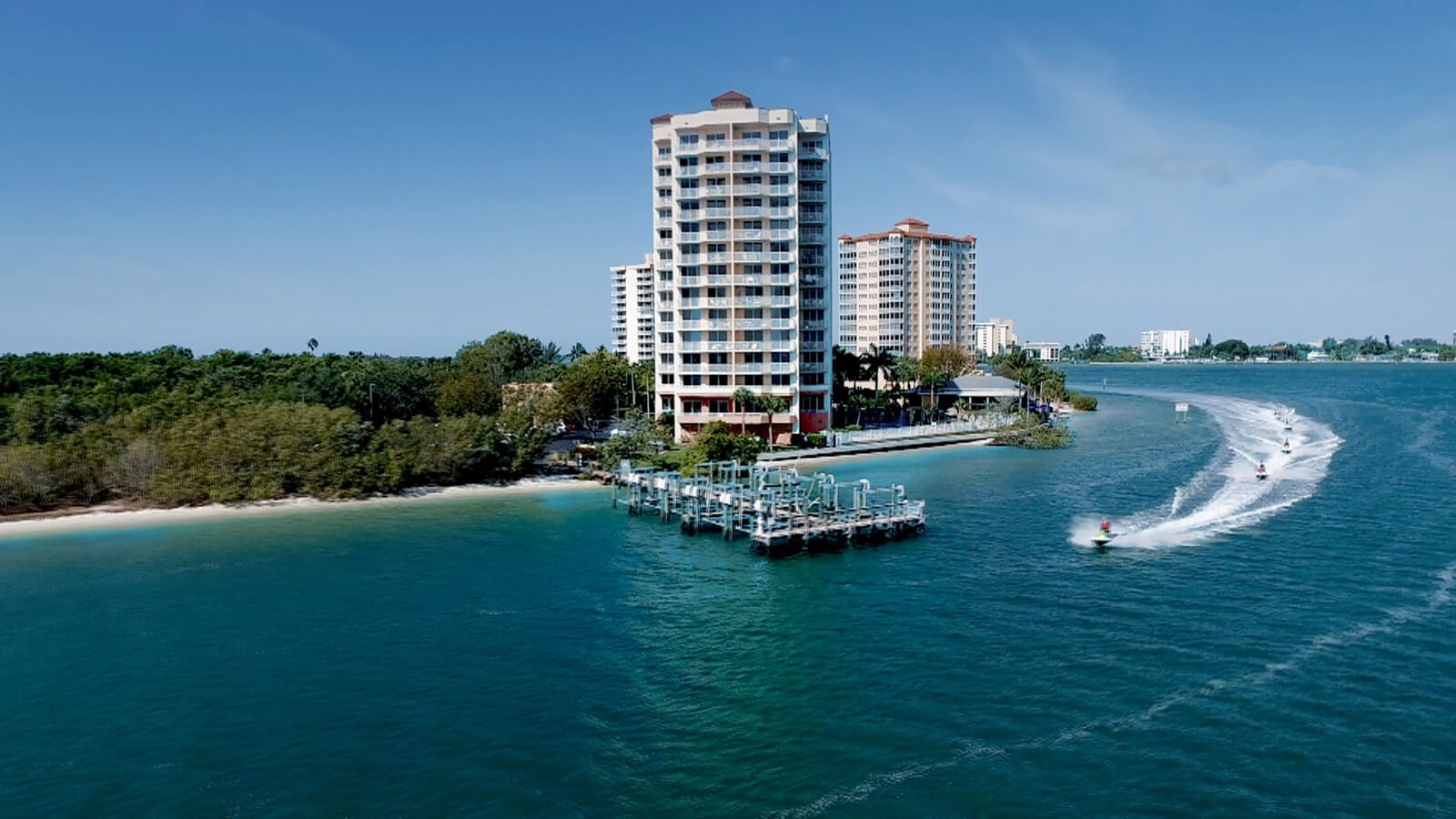 Flippers On The Bay  Best Waterfront Dining  Lovers Key